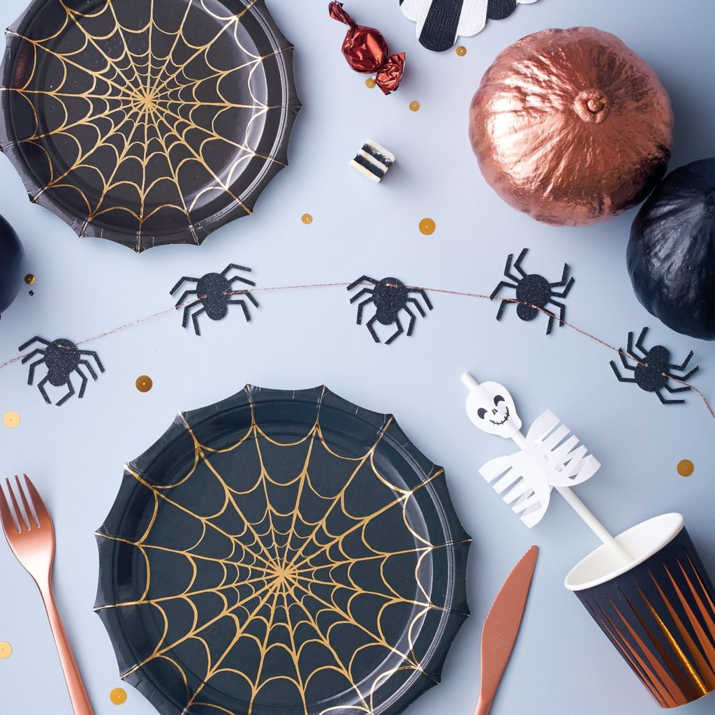 decoration_table_araignees_squelettes_halloween_meri_meri