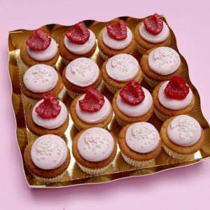 16 mini cupcakes roses
